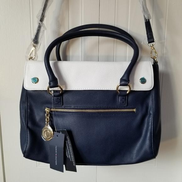 Tommy Hilfiger Handbags - Tommy Hilfiger large cross body bag navy